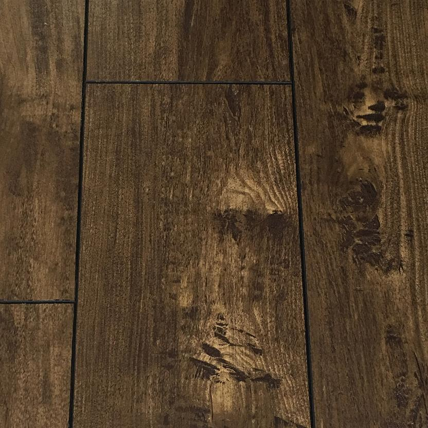 Heritage - Laminate-WMEHE-Cliffside Maple Laminate Flooring collection texture detail