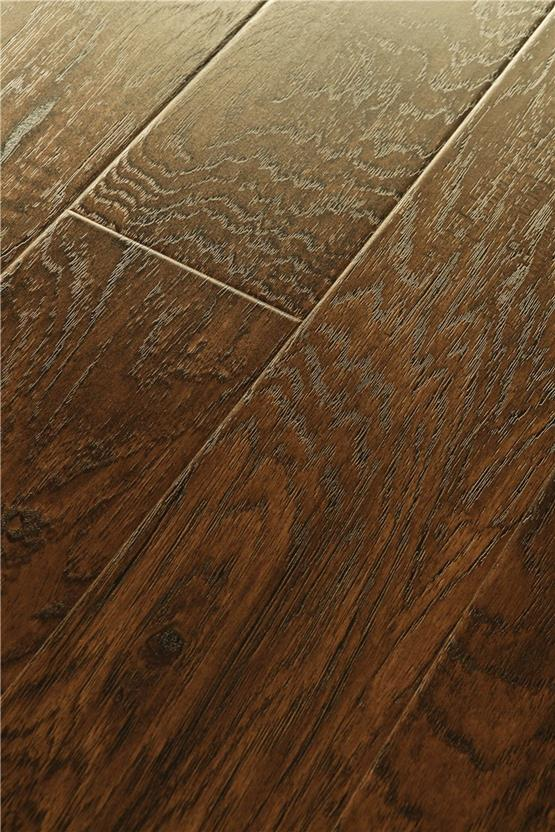 Illusions - Laminate-WMEILL-Smokey Walnut Laminate Flooring collection texture detail