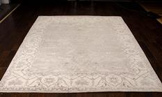 Aldora-ALD01-SIL Room Lifestyle Hand-Knotted Area Rug detail