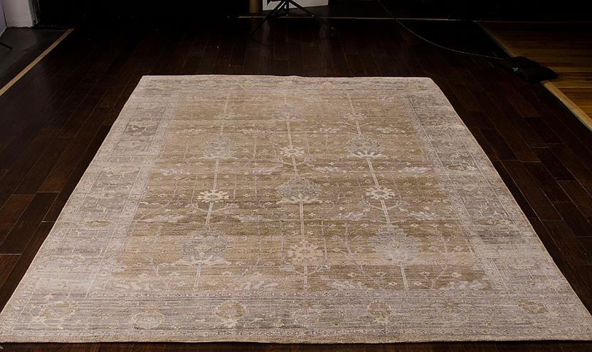 Aldora-ALD07-PEWTR Room Lifestyle Hand-Knotted Area Rug detail