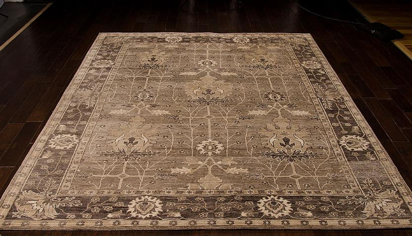Aldora-ALD03-OPLGY Room Lifestyle Hand-Knotted Area Rug detail