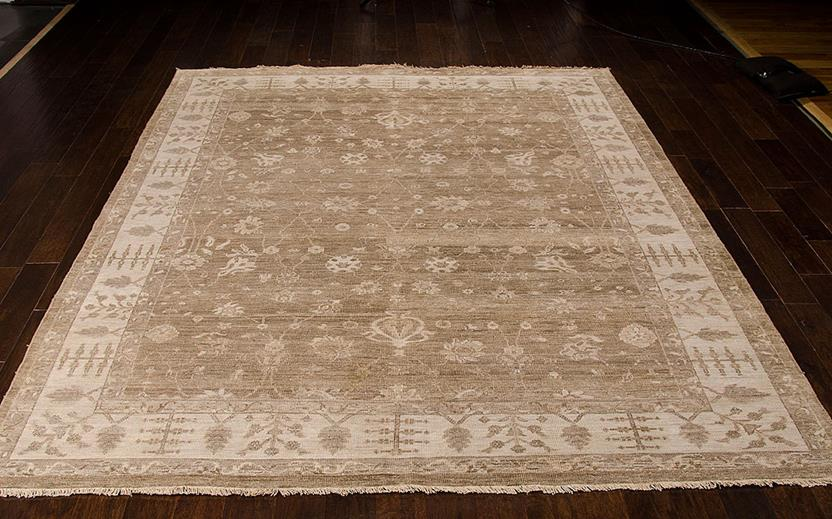 Aldora-ALD09-SAND Room Lifestyle Hand-Knotted Area Rug detail