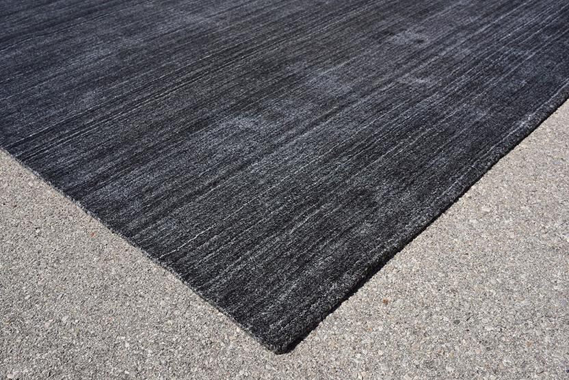 Azores-Solid-1-Charcoal Hand-Tufted Area Rug collection texture detail