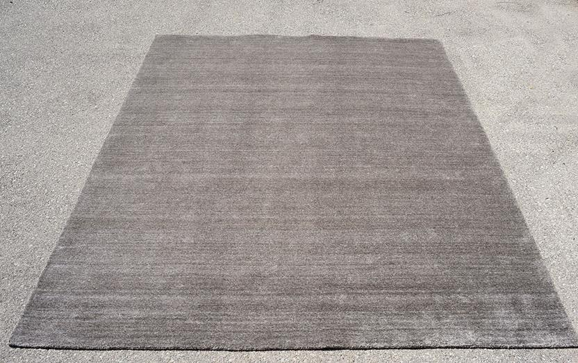 Azores-Solid-5-Taupe Hand-Tufted Area Rug collection texture detail